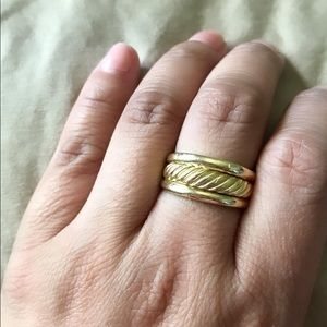 Auth. D.Y. 18K solid gold ring